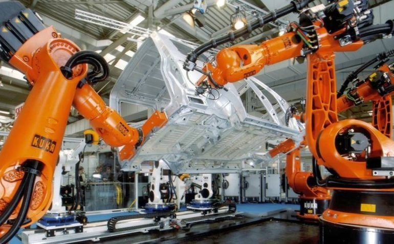 В августе производство промышленных роботов в Китае выросло на треть