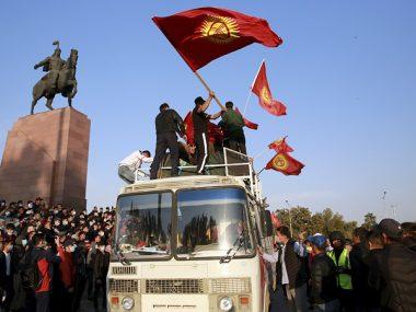 Китай призвал к стабилизации ситуации в Кыргызстане