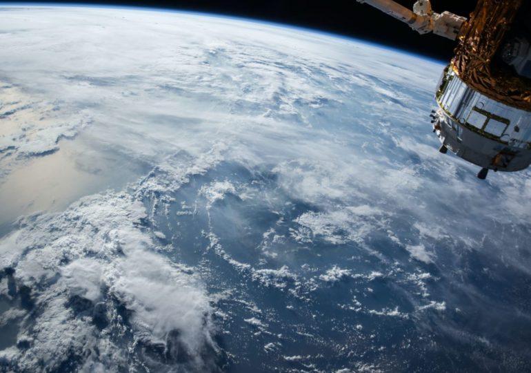 Китай запустил в космос первый экспериментальный спутник связи 6G