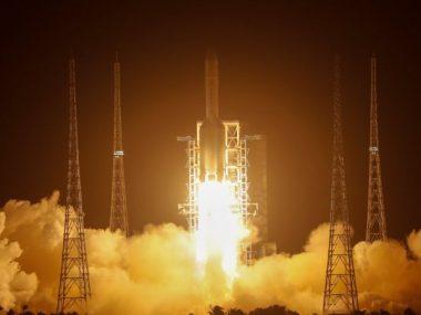Китай успешно отправил исследовательский аппарат на Луну
