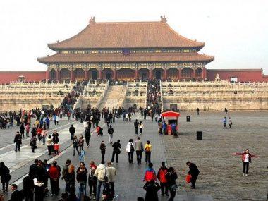 Китай закрыл въезд для граждан Великобритании, Бельгии и Филиппин из-за эпидемии