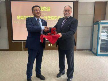 Камышев обсудил c китайской Dongfeng Motor поставки автомобилей в Украину