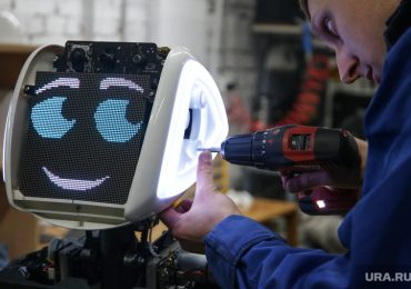 В школах Шанхая работников столовых заменят роботы