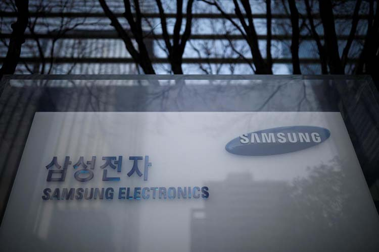 Samsung переносит завод по производству жидкокристаллических панелей из Китая в Индию
