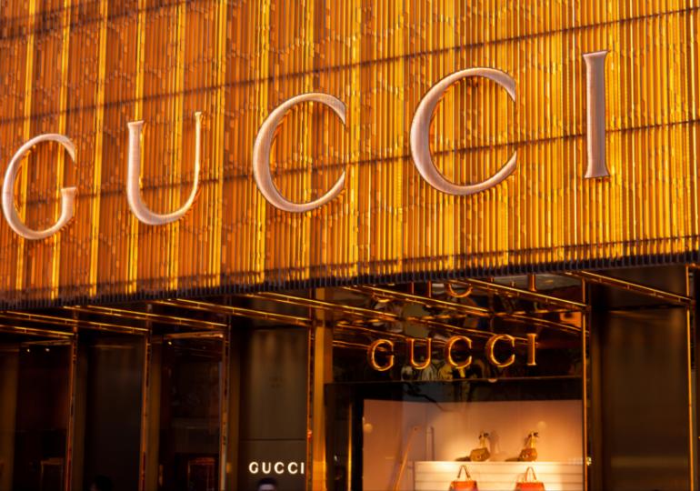 Gucci откроет два магазина на люксовой онлайн-платформе Alibaba
