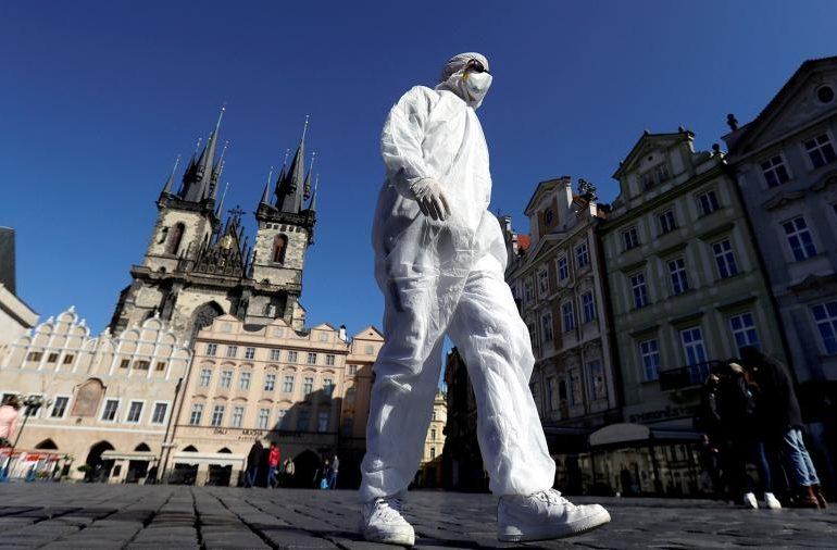 Китай оказал помощь в более 150 странам для борьбы с пандемией