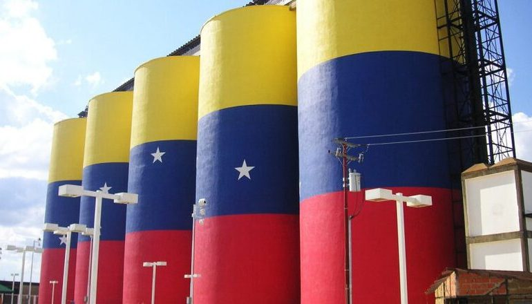 Венесуэла увеличила экспорт нефти втрое и большая часть идёт в Китай