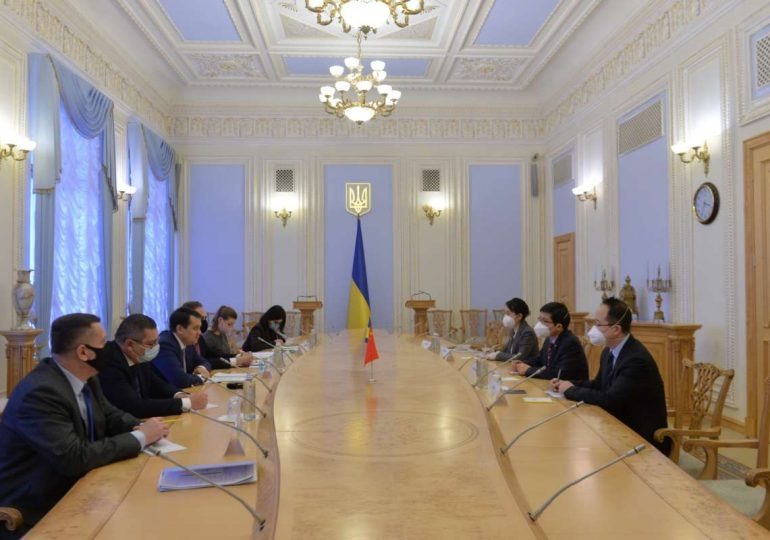 Глава ВР Украины и посол КНР обсудили межпарламентское и экономическое сотрудничество