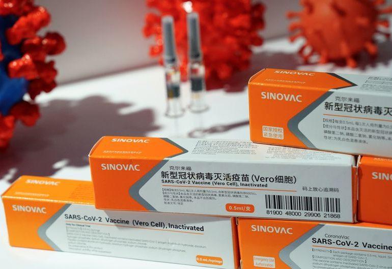 Украина одобрила китайскую вакцину Sinovac от коронавируса
