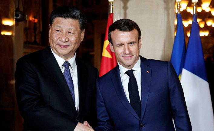 Си Цзиньпин попросил Макрона помочь в разрешении разногласий с ЦВЕ