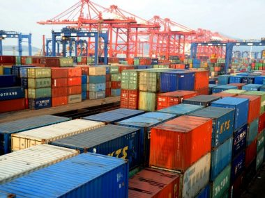 США не станут отменять высокие таможенные пошлины на китайский импорт