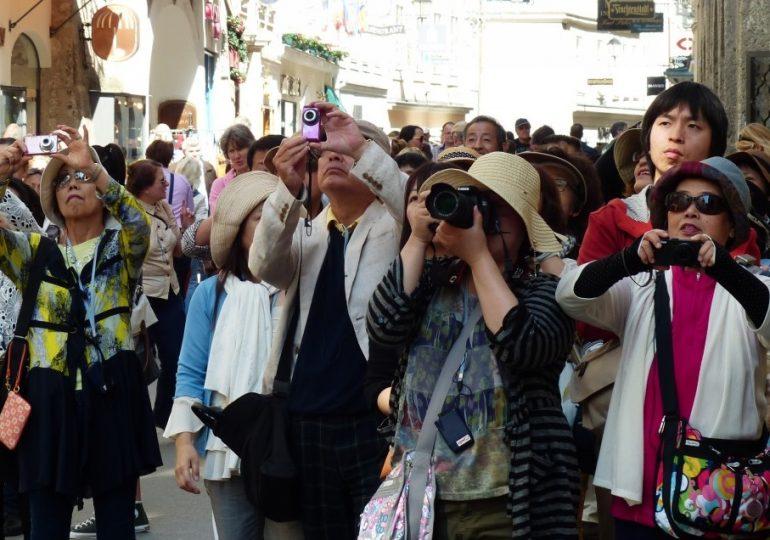Украина вводит временный безвиз для туристов из Китая с 1 апреля по 30 сентября 2021 года