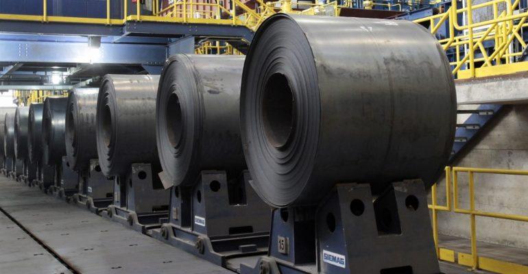 Фьючерсы на сталь в Китае стремительно растут в связи с сокращением производства и высоким спросом