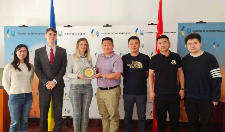 Китайский бизнес ищет в Украине поставщиков кормов для животных
