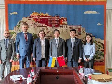Украинские дипломаты обсудили с чиновниками КНР планы научно-технического сотрудничества