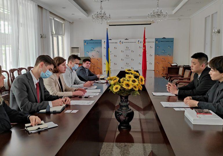 Украинские дипломаты обсудили с чиновниками города Цзиньчэн возможности межрегионального сотрудничества