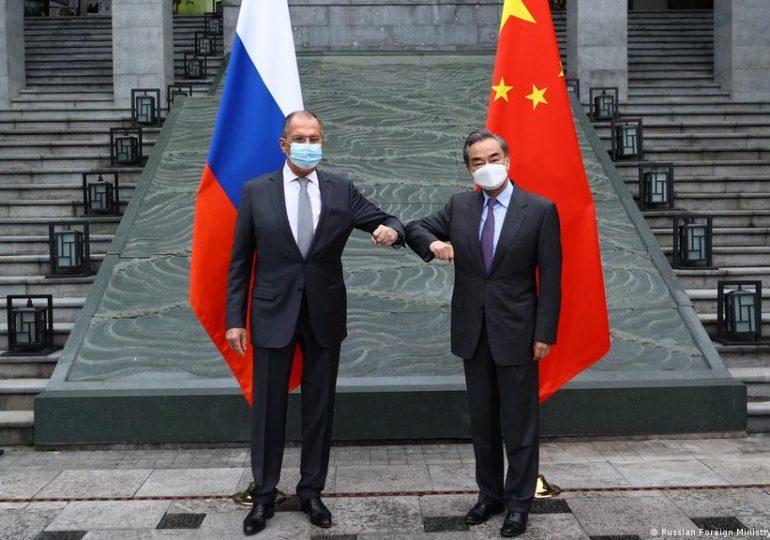 """Россия и Китай: """"новая эпоха"""" в дипломатическом диалоге (март 2021 г.)"""