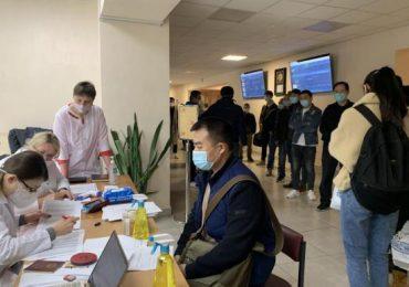 Китайцев в Одессе вакцинировали бесплатно – облздрав