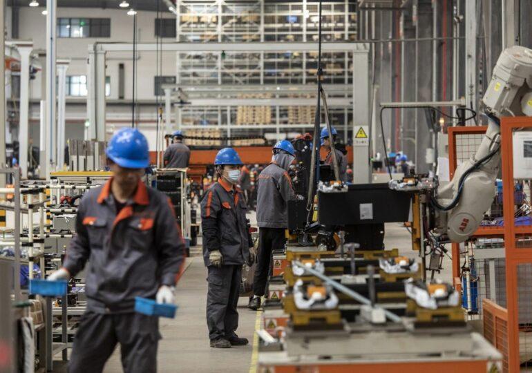Обрабатывающая промышленность Китая замедлила рост в мае 2021 года