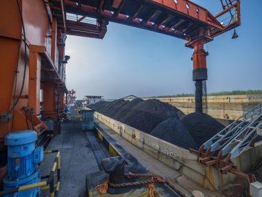 Добыча угля в Китае выросла на 11% за 4 месяца 2021 г., несмотря на призывы NDRC снизить загрязнения