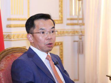 Посол Китая во Франции оправдывает дипломатию в стиле «воинов-волков»