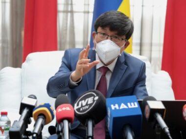 """Китай и Украина работают над введением """"безвиза"""" - посол КНР"""