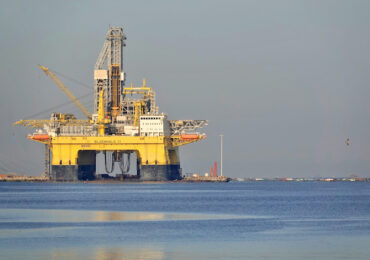 China International Marine Containers получила вливаний от госкомпании на 129 млн. долл.
