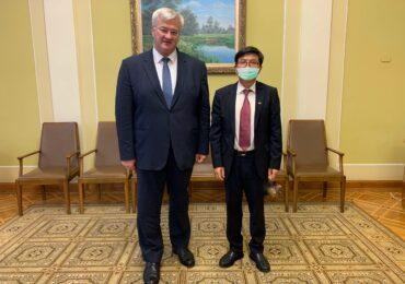 Фань Сяньжун встретился с новым заместителем руководителя Офиса Президента Украины