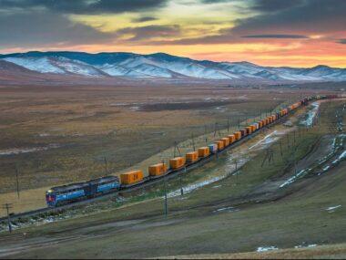 Китай запустил блокчейн-платформу для обслуживания железнодорожных перевозок с Европой