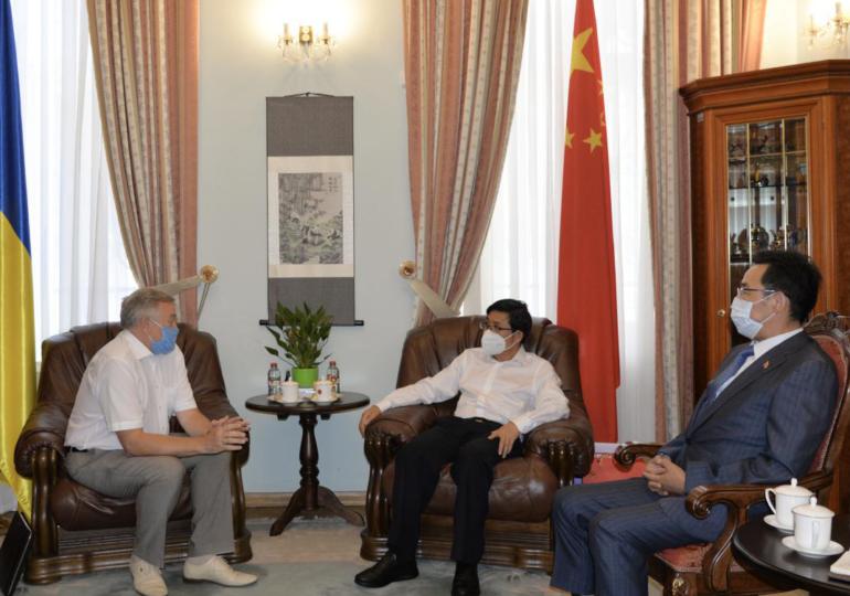 Активизация контактов на высшем уровне: отношения Украины и Китая в июле-августе 2021