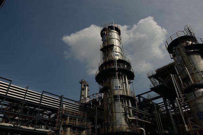 Китай продал рекордное количество нефти из стратегических резервов