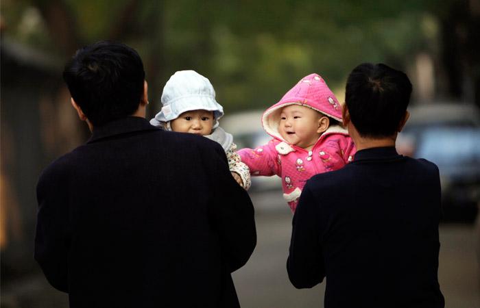 В Китае рождение детей будут поощрять денежными субсидиями