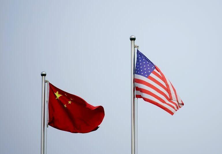 Чиновники США убеждают Китай снизить импорт нефти из Ирана - Reuters
