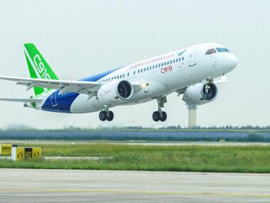 В Китае приступают к финальной сборке первого авиалайнера C919