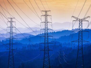 Китай просит Россию увеличить поставки электроэнергии