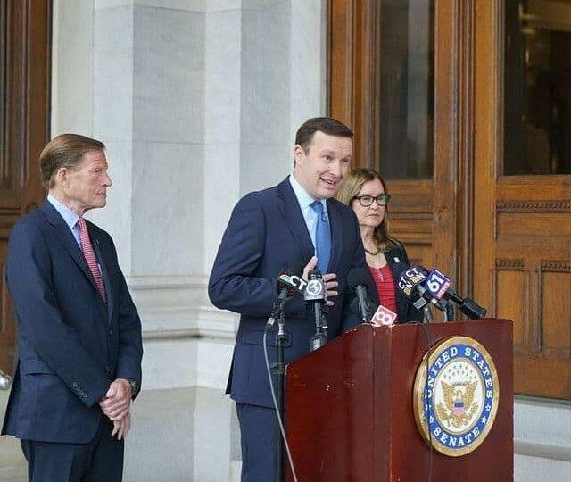 Сенатор Мерфи советует США пересмотреть политику взаимоотношений с Китаем и Россией