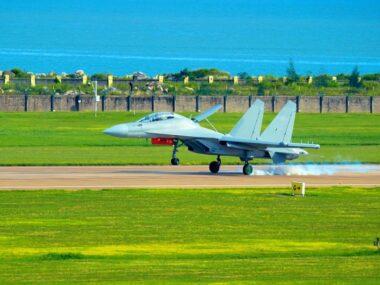Китай представит свой новый самолет радиоэлектронной борьбы
