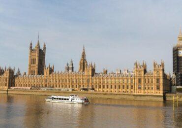 Послу КНР в Великобритании запретили вход в британский парламент