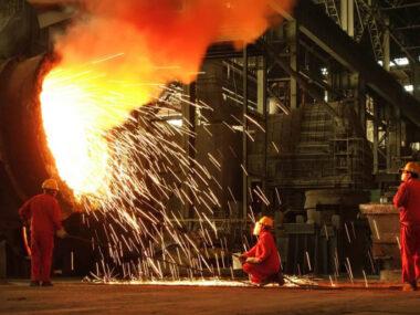 Объем выплавки стали в Китае в сентябре упал на 8.6%