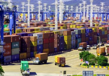Цены на грузоперевозки между Китаем и США резко упали