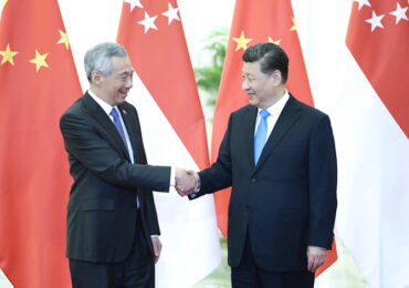 Си Цзиньпин и премьер-министр Сингапура обсудили экономическое восстановление