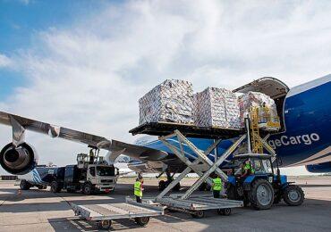 Спрос на авиадоставку грузов из Китая вырос на фоне заторов в портах
