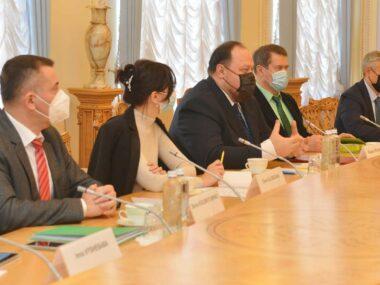 Руслан Стефанчук обсудил с Послом КНР улучшение сотрудничества двух стран